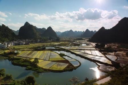 手绘明信片的新希望——广西壮族乡文化旅游一体化促进农村振兴的信息